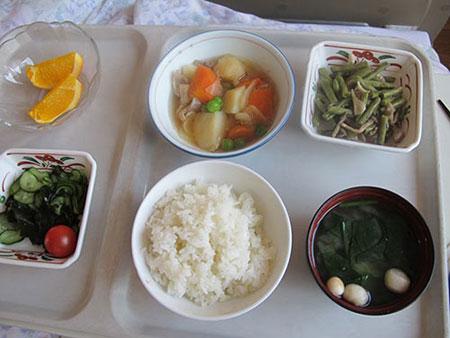 Điểm nổi bật trong bữa cơm bán trú của trẻ Nhật