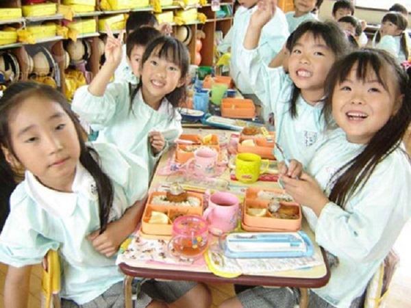 Ngưỡng mộ sự giáo dục của Nhật Bản