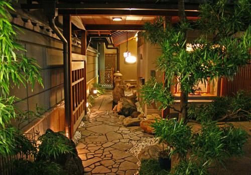 Phong cảnh hữu tình trong một nhà trọ truyền thống Nhật Bản