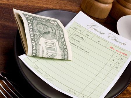 Tuyệt đối không đưa tiền tip khi đến Nhật Bản