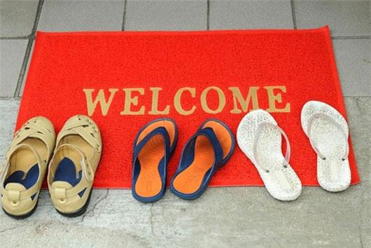 Hãy cởi bỏ giày dép trước khi bước vào bất cứ một ngôi nhà nào tại Nhật Bản