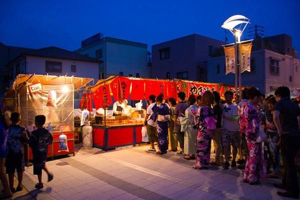 Học được gì từ văn hóa xếp hàng ở Nhật Bản?