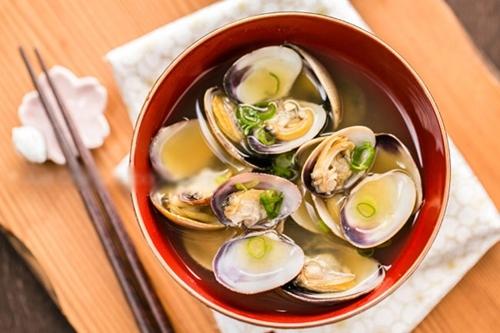 10 điều cần tránh khi dùng bữa ăn cùng người Nhật