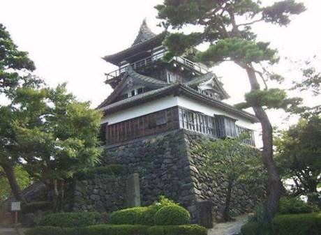 Lâu đài Maruoka