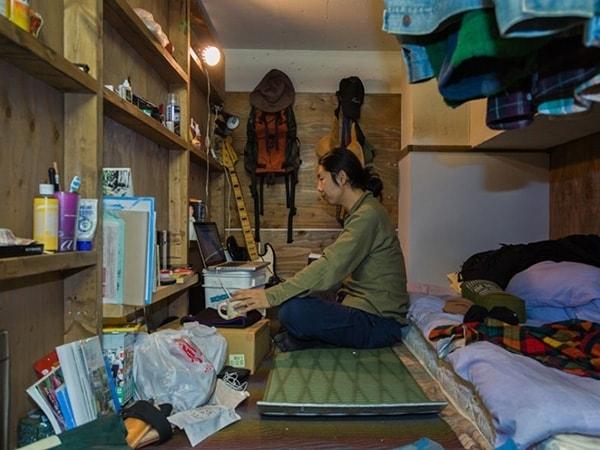 """Cuộc sống của người Nhật trong những """"căn nhà ốc sên""""…"""