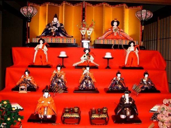 Tìm hiểu về lễ hội búp bê được dân du học yêu thích tại Nhật Bản