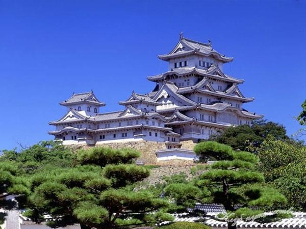 Khám phá vẻ đẹp lâu đài Himeji Nhật Bản