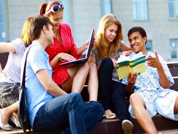Những điều du học sinh cần biết khi bước vào tình yêu