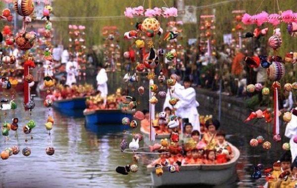 Lễ hội búp bê được tổ chức tại Nhật Bản