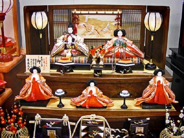 Lễ hội búp bê Nhật bản là lễ hội dành cho bé gái diễn ra vào 3/3
