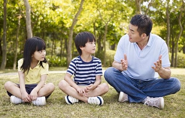 Giao tiếp tốt là kĩ năng sống quan trọng trẻ cần có