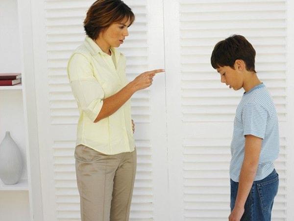 Cha mẹ nên cân nhắc kĩ hình phạt cho các con