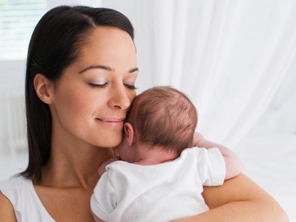 Giao tiếp với trẻ sơ sinh