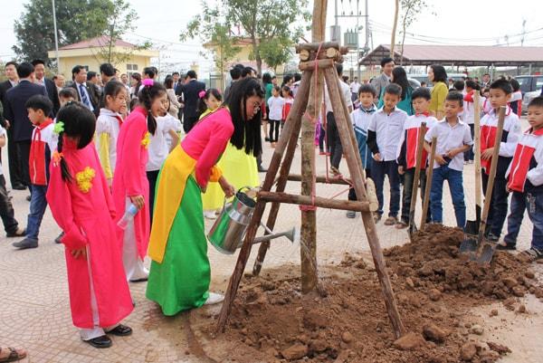 trường tiều học tốt nhất quận Hà Đông - Trường tiểu học Lê Trọng Tấn