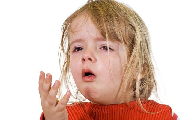 Trẻ ngủ cũng có thể do mắc các bệnh nhiễm trùng