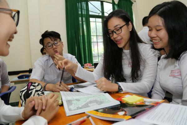 Học cùng nhóm để nhận thức vấn đề lịch sử rõ hơn
