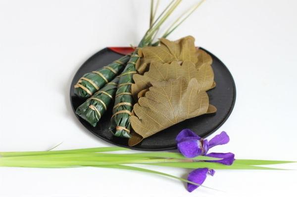 Bánh Kashiwa mocha bọc trong là sồi, bánh Chimaki bọc trong lá tre