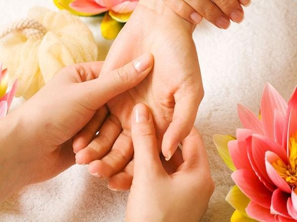 5 bài thuốc dân gian chữa trị ra mồ hôi tay chân hiệu quả 1
