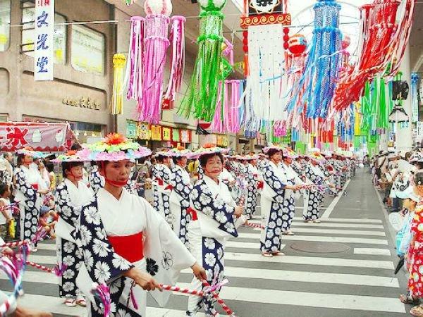 Tìm hiểu nguyên nhân tại sao người Nhật bỏ tết cổ truyền