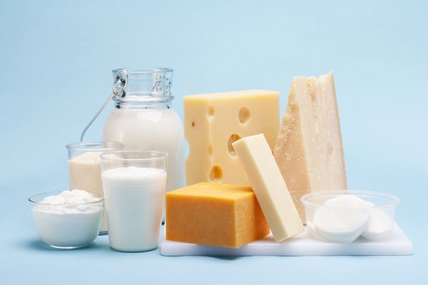Uống nhiều sữa và ăn chế phẩm từ sữa