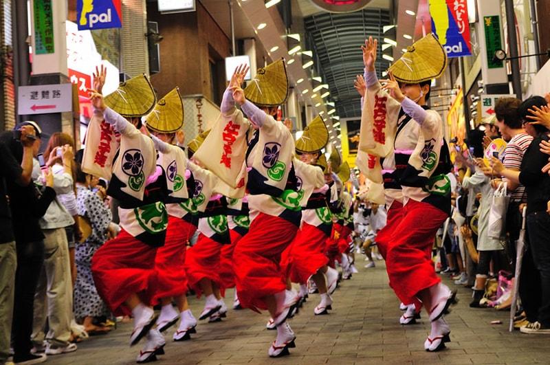 Điệu nhảy Bon Odori rất được người Nhật Bản yêu thích