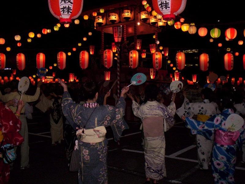 Hoạt động trong lễ hội Obon tại Nhật Bản