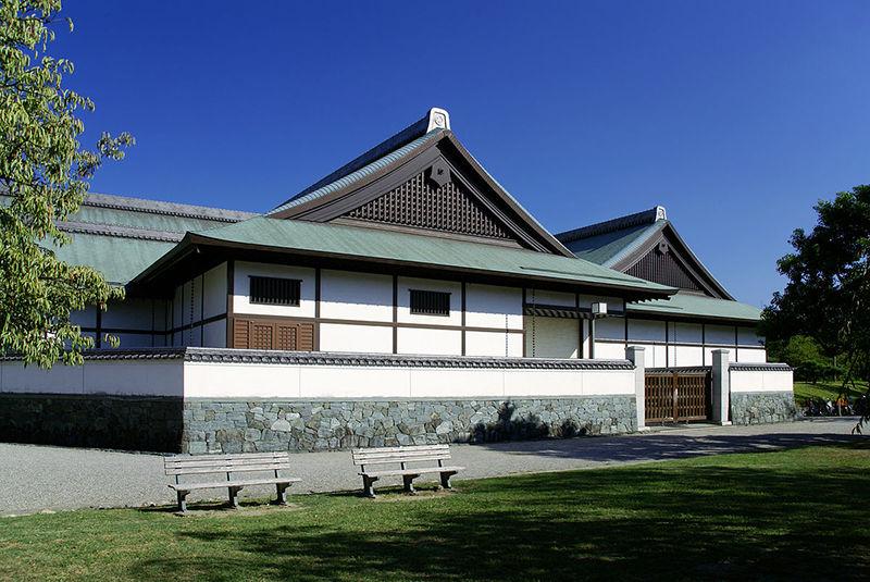 Lễ hộiAwa Odori Matsuri ra đời khi khánh thànhlâu đài Tokushima năm 1586