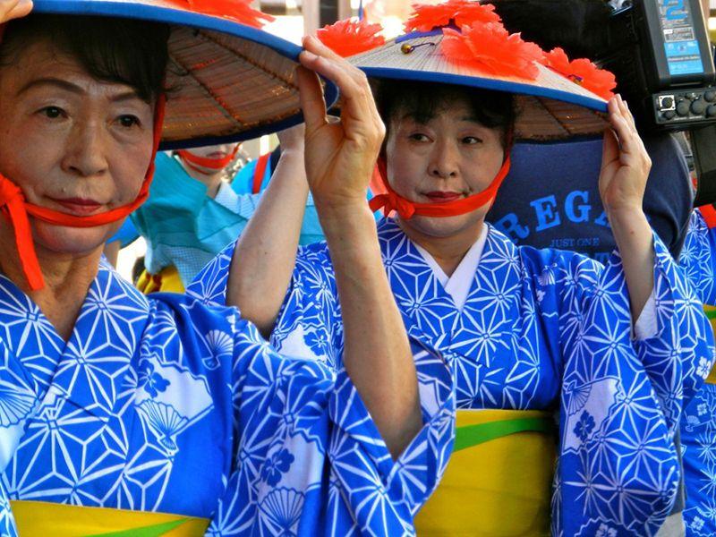 Nhóm nhảy do người cao tuổi thành lập trong lễHanagasa Matsuri