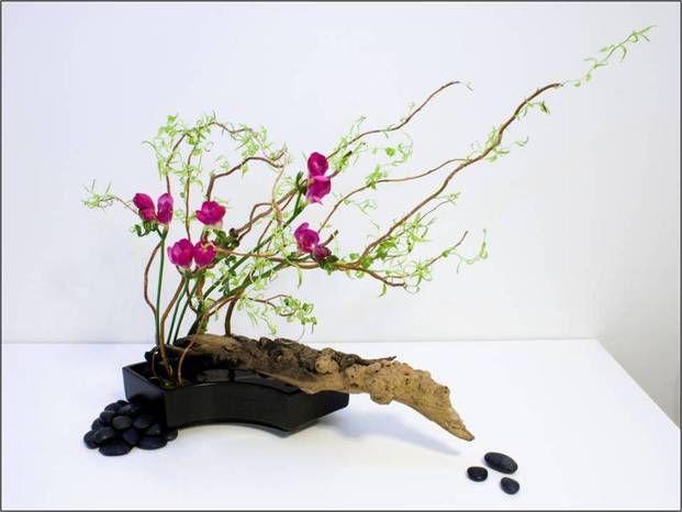 Nghệ thuật cắm hoa Ikebana nổi tiếng của Nhật Bản