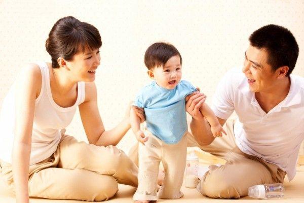 Giúp trẻ làm quen dần với các vận động, hoạt động thể chất