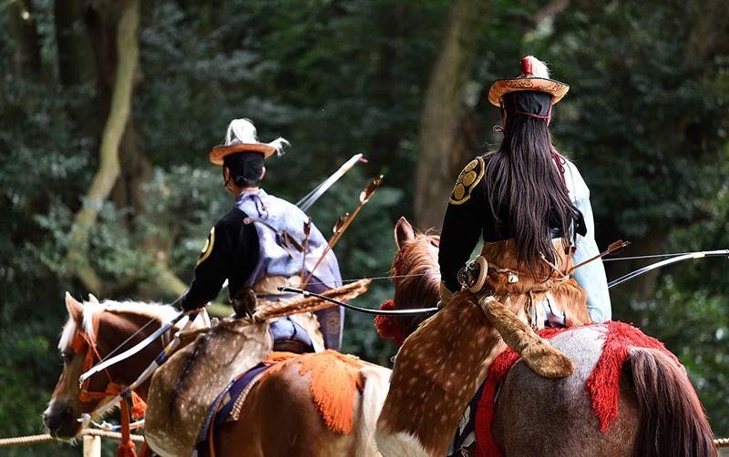 Các kỵ binh tập dợt từ sáng sớm