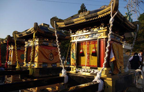 Cácmikoshi đã tham gia lễ hội trước đó