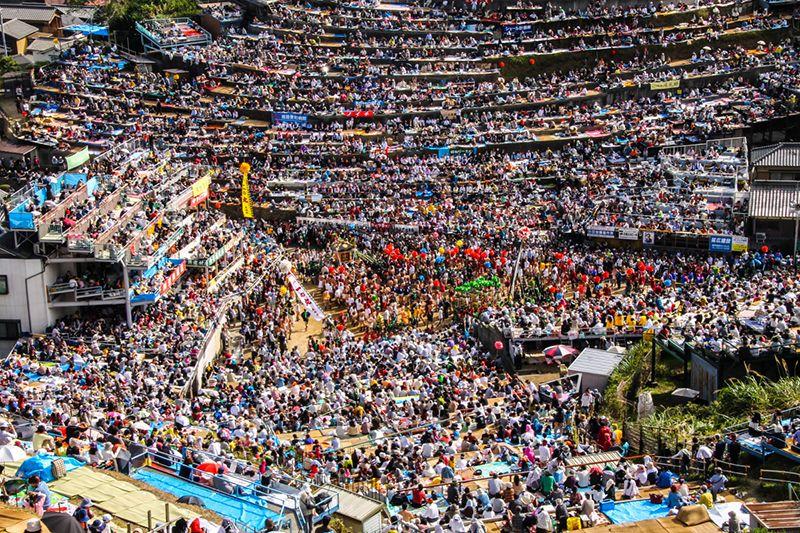 Quảng trường nơi diễn ra lễ hội chính - thời điểm diễn ra lễ hội chính thức
