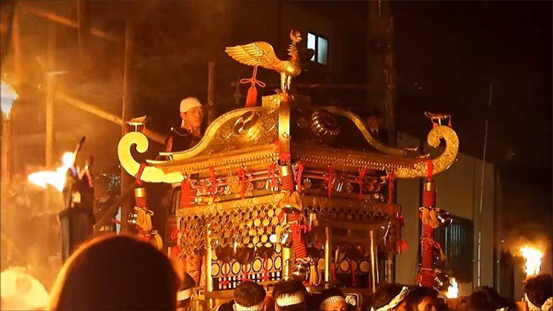 Đoàn rước kiệu Mikoshi trong lễ hội