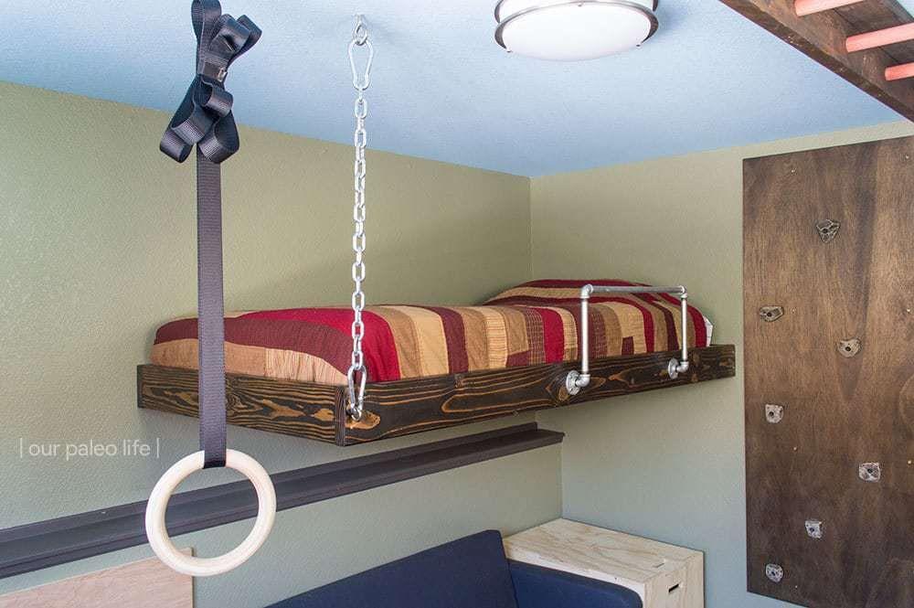 Giường treo - ý tưởng tận dụng không gian cho nhà ở chật