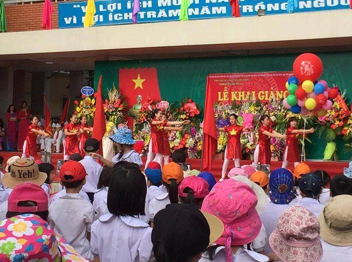 Trường Tiểu học Phú La - Hà Đông - 664 HS