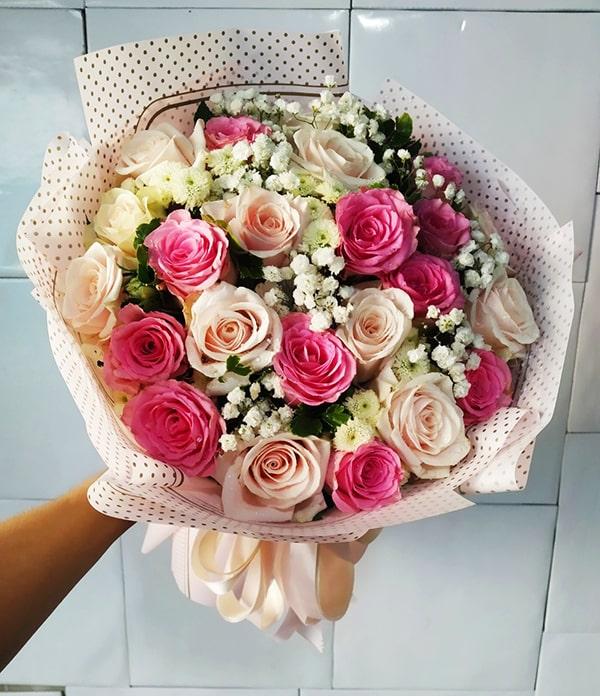 Nên tặng hoa hồng chothầy cô giáo nhân ngày 20/11
