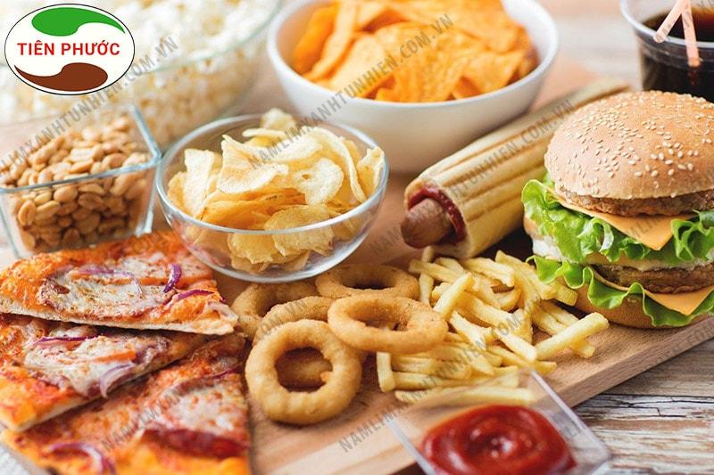 Những thức ăn nhanh, cay nóng người bị bệnh ung lưỡi cần hạn chế ăn