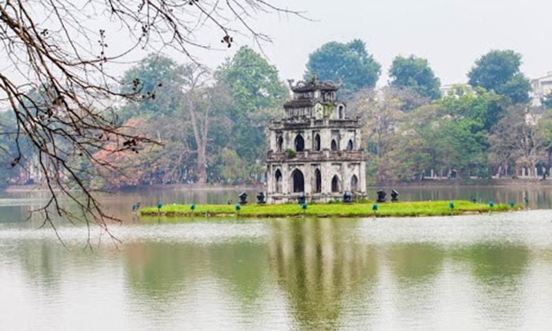 Săn vé máy bay đi Hà Nội để ngắm những phong cảnh cổ kính